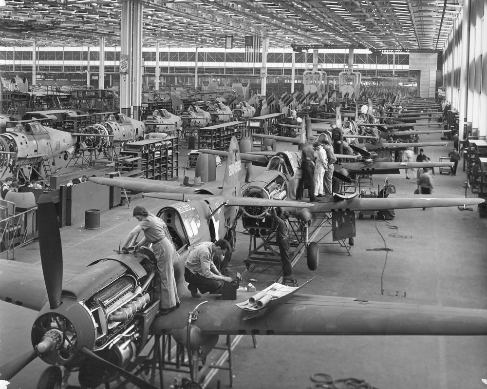 Curtiss P-40 assembly